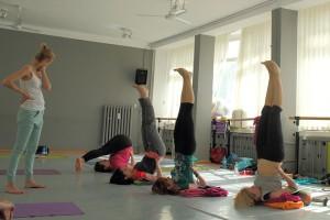 ćwiczenia szyi i barków Agnieszka Wielobób joga i ajurweda